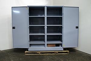 Шкаф для ИБП серии ШМА-03К в открытом виде