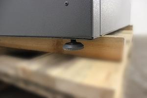 Фото регулируемой по высоте ножки шкафа Светоч-02-08