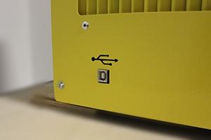Фотография USB-разъема для подключения к PC