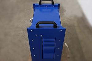 Фото зарядного устройства серии Зевс в нестандартном исполнении вид №2