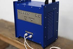 Фото зарядного устройства серии Зевс в нестандартном исполнении вид №3