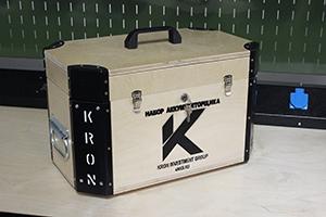 Фотография комплекта аккумуляторщика K-201 вид сбоку