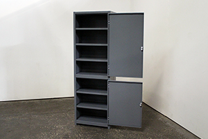 Вид сбоку металлического шкафа УКС-013.А.004-20