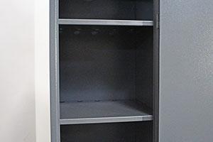 Фотография металлических полок