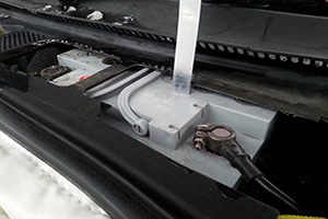 Установленный аккумулятор в термобокс
