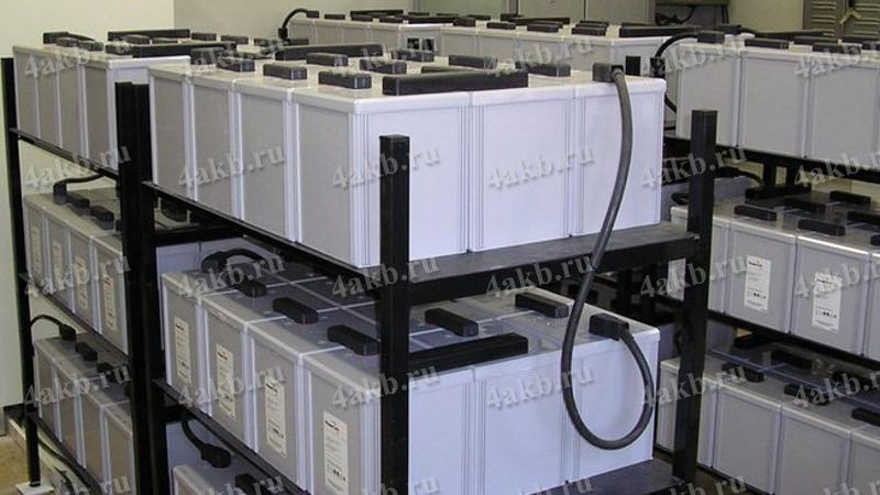 Общий вид сборки аккумуляторных батарей установленных на подстанции