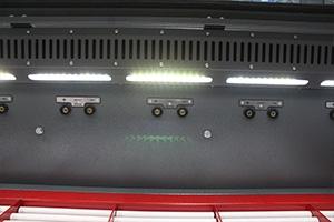 Быстросъемная задняя и боковые панели на аккумуляторных шкафах