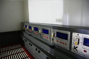 Панели управления каждым каналом зарядного шкафа