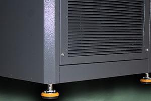 Фото виброопор зарядно-разрядного выпрямителя серии ВЗА-Р вид сбоку