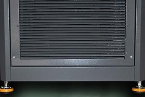 Фото виброопор выполненых в черно-желтом цвете выпрямителя для аккумуляторов