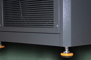 Фото вентиляционной решетки зарядно-разрядного выпрямителя серии ВЗА-Р