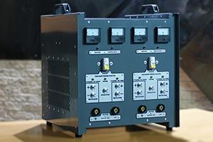 Автоматизированное зарядное устройство серии АЗУ-Н-2 вид сбоку