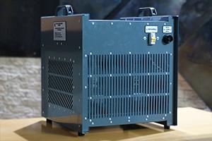 Автоматизированное зарядное устройство серии АЗУ-Н-2 вид сзади