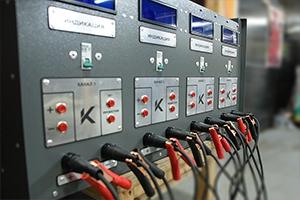 Кнопки управления зарядным выпрямителем серии ВЗА-30-36-4