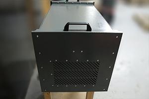 Вентиляционные отверстия на зарядном выпрямителе ВЗА-30-36-4