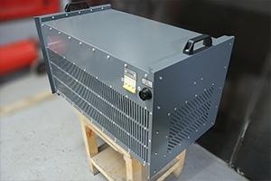 Автомат защиты и розетка для подключения внешнего электропитания