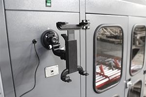 Фото крепления для установки планшета на шкаф