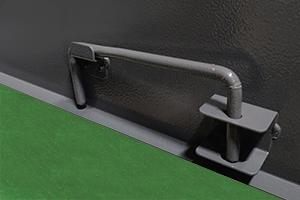 Фотография металлического держателя для дверц