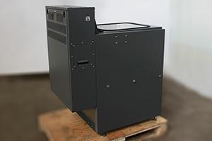 Фото  зарядно-десульфатируещего  шкафа серии Светоч-04 вид сзади
