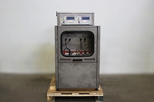 Фото зарядно-разрядного шкафа Светоч-Авиа-02.ЖК.Н вид спереди
