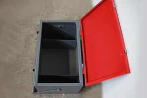 Фото комплекта аккумуляторщика в открытом виде