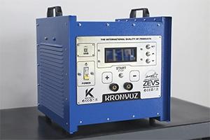 Фото импульсного зарядно-разрядного устройства для авиационных АКБ ЗЕВС-АВИА-Р