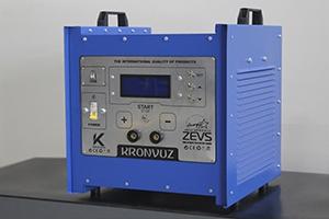 Вид сбоку зарядно-разрядного устройства для АКБ фото