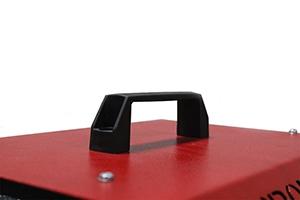 Металлическая переносная ручка устройства