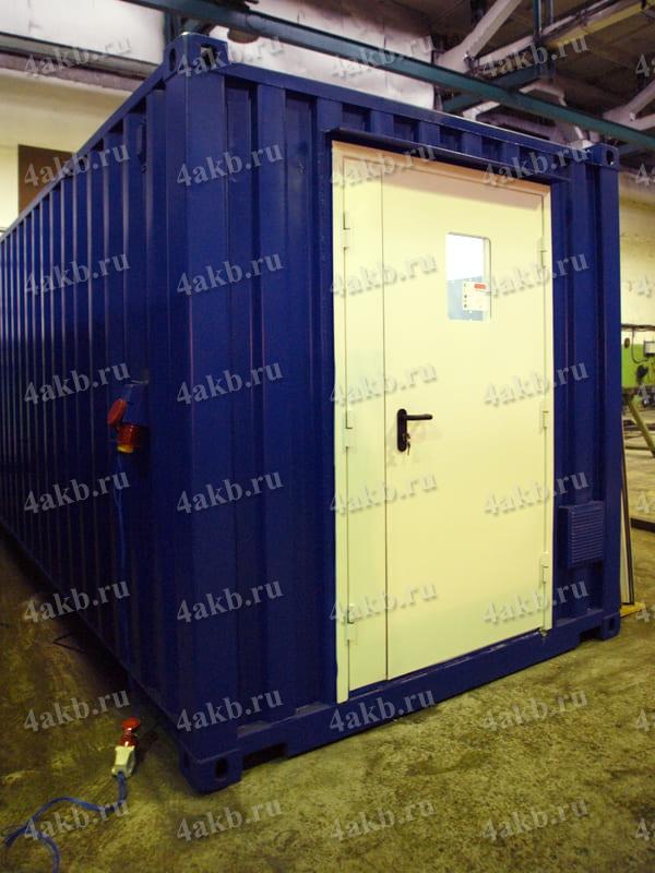 Мобильная аккумуляторная мастерская: входная дверь