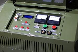 Панель управления пуско-зарядным устройством