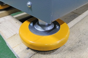 Комплект установленных виброопор для стола из металла