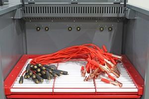 Фотография кабелей прикуривания аккумуляторов