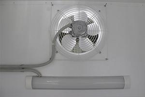 Фото вентиляции и освещения в лабораторном шкафу