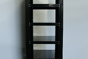 Полки для установки аккумуляторных батарей внутри шкафа