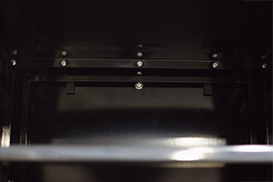 Фотографии внутреннего соединения частей шкафа между собой
