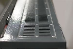 Фото решетка системы охлаждения шкафа