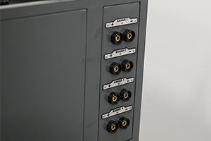 Фото клеммной панели зарядного шкафа