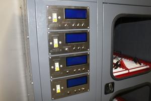 Фотография ЖК панелей управления