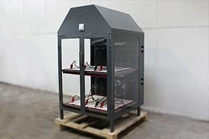 Место для подключения 2-х внешних зарядных устройств с правой стороны