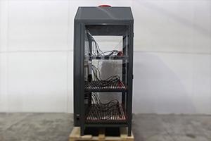 Шкаф для хранения 12-ти аккумуляторных батарей вид сбоку