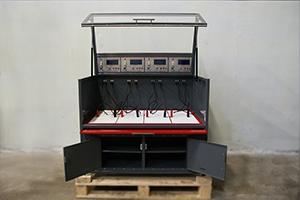 Шкаф для одновременного обслуживания 4 аккумуляторных батарей