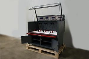 Зарядно-разрядный шкаф для обслуживания всех типов АКБ в открытом положении