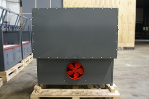 Вытяжной вентилятор установленный на зарядно-разрядном шкафу Светоч-04-04