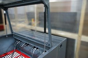 Клеммы для подключения авиационных аккумуляторов на шкафу серии Светоч-Авиа-04