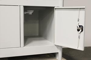 Фотография тумбы в открытом виде шкафа лабораторного