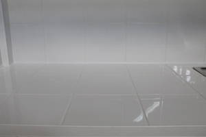 Фото керамической плитки установленной в шкаф