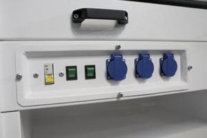 Фотография панели управления с блок розеткой