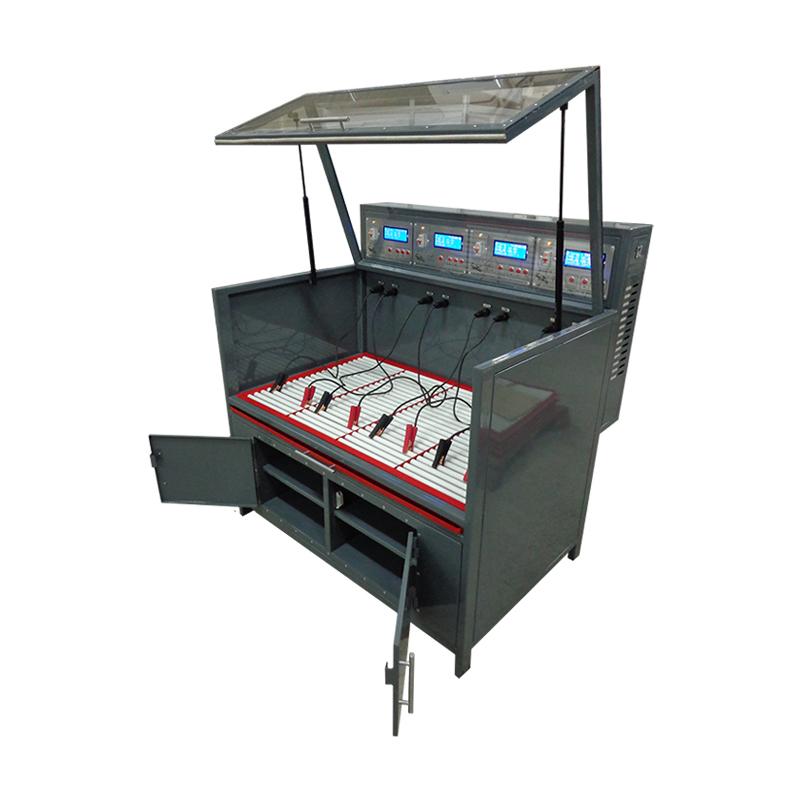 Шкаф для заряда аккумуляторов в открытом положении вид сбоку