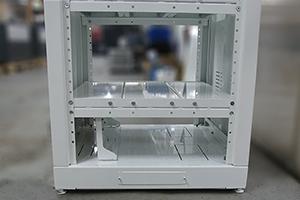 Вид нижнего отсека аккумуляторного шкафа 4АКБ-ЮГ-ШМА-01.2000