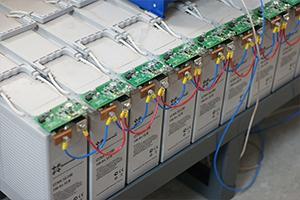 Цифровые платы считывающие характеристики фронттерминальных аккумуляторов